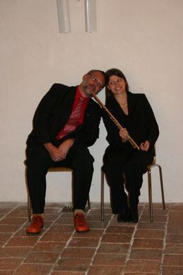 v.r.n.l.: Carolin Ratzinger (Flöte) und Gerhard Stritzl