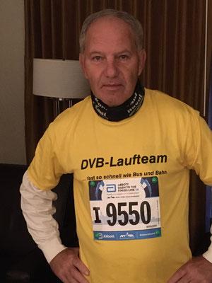 Teilnehmer Bernd Dietmar Leuschke mit der 5 KM Warmmachnummer