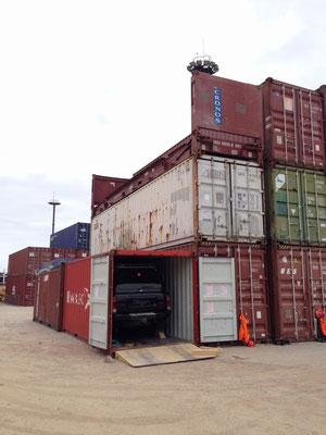 Hoffentlich verlieren sie unseren Container nicht bei all den vielen anderen Containern.