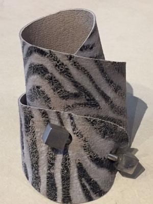 "Indie ""Zebra"" grey 34€"