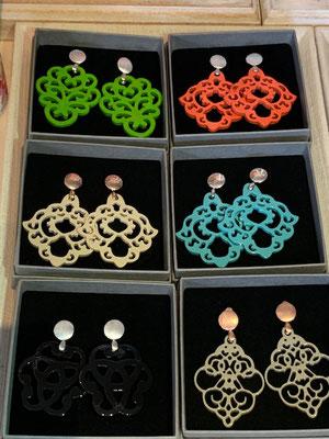 Ohrangerie Ohrringe aus Horn, handmade, div Farben/Modelle, 109€