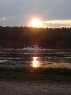 Abendstimmung am Standplatz, Rhein bei Neuburgweiher