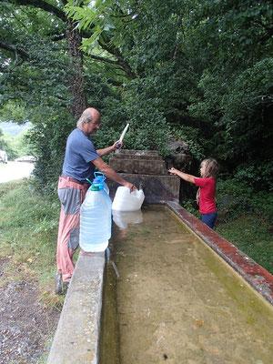 Wasser fassen im Hechotal