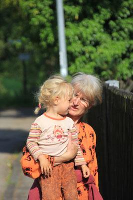 Oma mit Sarah, Beuron