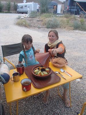 Tajine auf Campingplatz