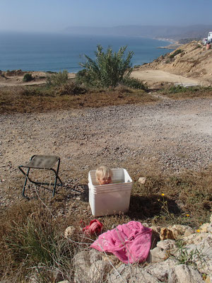 Sarah in der Badewanne, terre de ocean