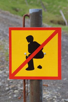 Bitte nicht in die Landschaft Scheissen