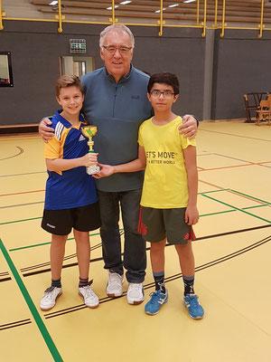 Im Bild von links: Sebastian, Trainer Kurt und Husam