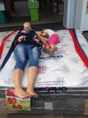 Wie wäre es wohl mit diesem Bett?!? :-)