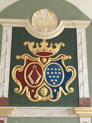 Kaminverzierung zweier Wappen derer von Oertzen und derer von Bülow
