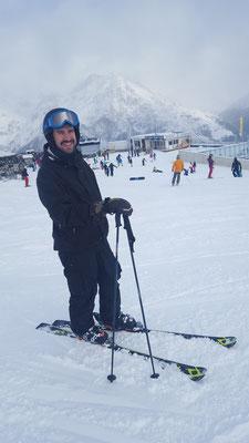 ungewohntes Bild: Mike auf Ski :)