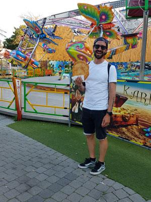 Wien: Prater und Mike mit sein Langos