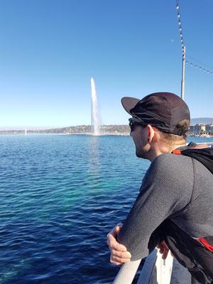 Mike mit dem Jet d'Eau im Hintergrund