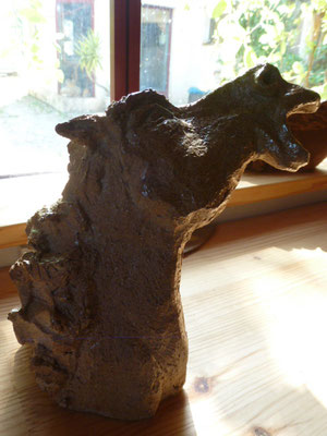 """""""Furie 2"""" Sculpture grès noir cuisson Noborigama H21cm/L15cm Pièce Unique  -Juan José Ruiz dit """"Caco"""" Artiste Auteur/Sculpteur"""
