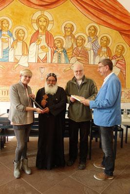 Ehepaar Kreye, S.E. Bischof Damian und Prof. Dr. Rainer Hannig. Foto: Daniela Rutica