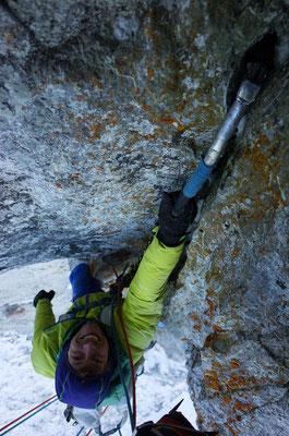 Abwechslungsreiche, interessante Kletterei an meist guten Hooks (wenn man sie findet).