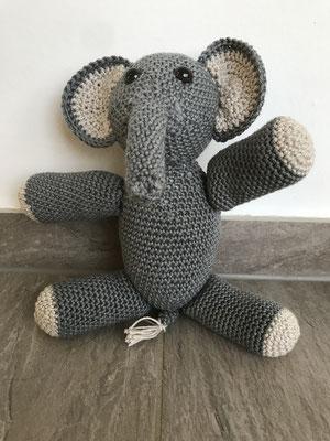 Elephant, 30 cm, 40 CHF