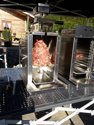 Gyros im Oberhitzegrill nur mit dem BBQ Burner möglich! Schnell umgebaut zum Vertikal-Drehspieß-Grill!