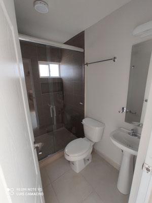 Baño tercer nivel casa modelo Verona Brianzzas Residencial en Escobedo Nuevo Leon