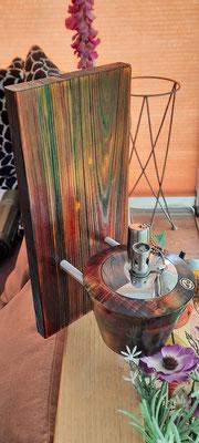 Petroleumlampe an Holzbrett, beides mit Spiritusbeize coloriert, Brett H: 300 mm, Lampe H: 90 mm, Ø: 120 mm   - Verkauft!
