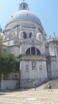 Della Salute Basiliek