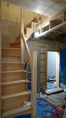 公募型木のまちづくり事業_改装内装階段造作完了