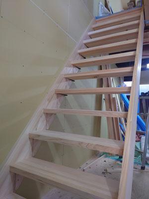 京町家改装工事_桧で階段造作