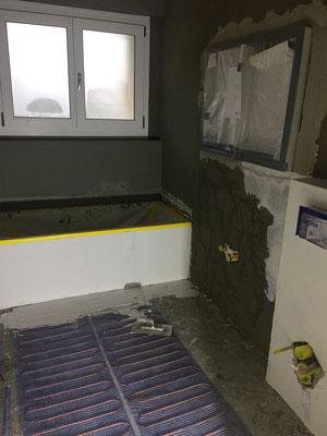unterbau-spülkasten, neue badewanne und elektroheizmatte.