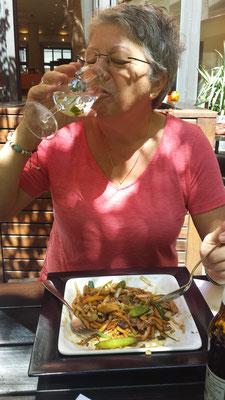 Wir geniessen die Asiatische Küche in Zürich.