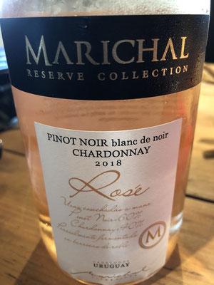 rosé: pinot noir & chardonnay : mallo, 3h maceratie, licht zalm, aardbei, zet strak @, mondvullend, sappig, gedeelte op eik, A maaltijdrosé