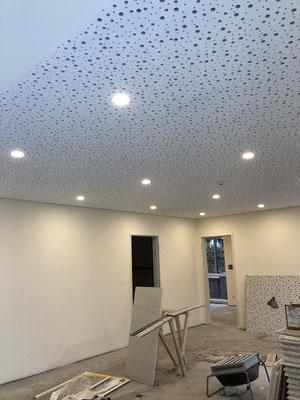 GK-Lochdecken schaffen schöne Räume. Fugenlose Kaschierung von Gipskarton-Lochplatten und ohne Rissbildung!