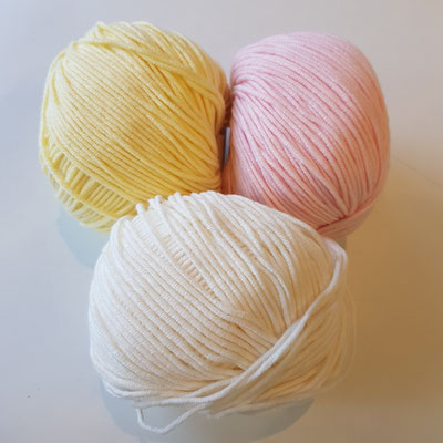 02 cream - 10 vanilla - 44 light pink