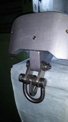 Der Puffer, gefertigt aus 25 mm Stahlblech.