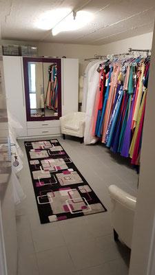 Brautkleider und Fetmode zu unschlagbaren Preisen gleich zum mitnehmen