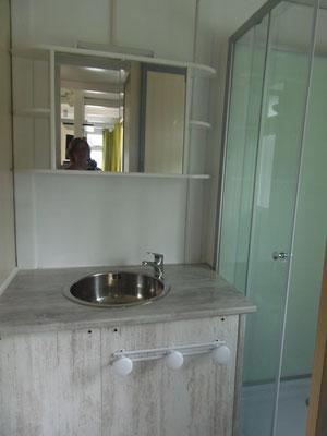 Camping les Trois Sources Vallées Lot Dordogne - Chalet 3 chambres - Salle d'eau