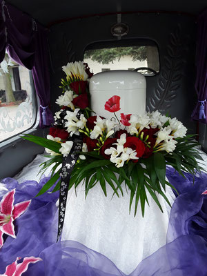 Oldtimer-Bestattungen beim Bestattungshaus Weißgerber (Müncheberg/ Seelow): eine individuelle Art des Abschieds