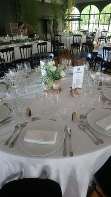 Centre de table avec le prêt de nos vases trilogie.