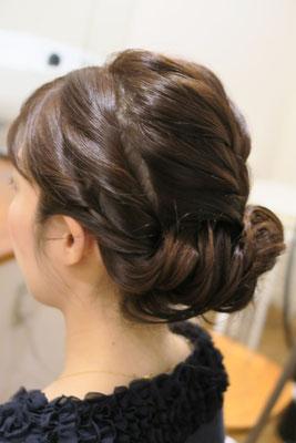 銀座、ねじり編み込みヘアメイク
