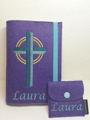 Stickmotiv Kreuz in türkis auf Filz in lila