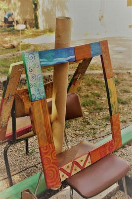 Espace des usagers du CPA de l'AIn : cadre palettes et peinture à l'œuf
