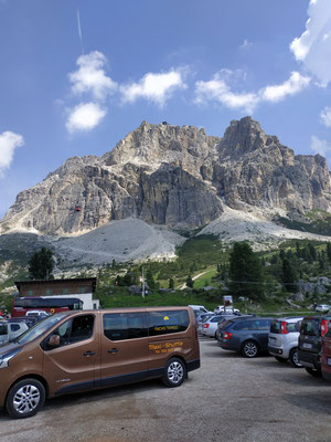 Passo Falzarego. Parking
