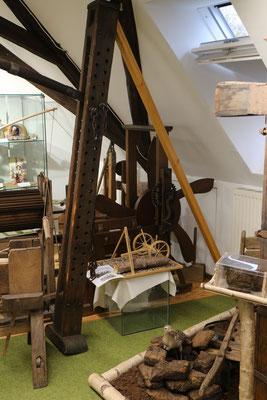 Hebelade und Modell im Richard-Brandt-Heimatmuseum Wedemark