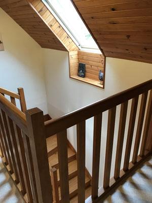 geschlossene Holztreppe