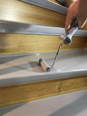 Malerarbeiten Textur3 Lakierarbeiten Treppenstufen