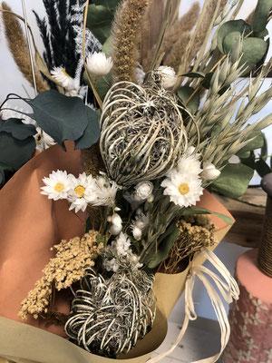 Trockenblumensträußlein