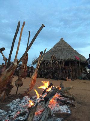 дом в деревне племени Хамер
