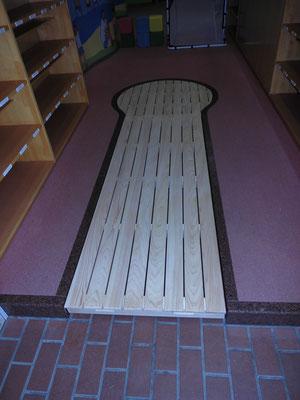 オーダー家具 幼稚園玄関変形すのこ