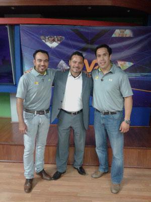 Mario Quintana, Alex Aguirre y Omar Rodríguez. #PremioTeporaca