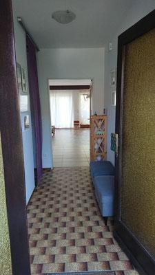 Eingang und Wartebereich