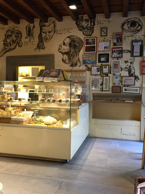 Coole Läden und leckere Snacks